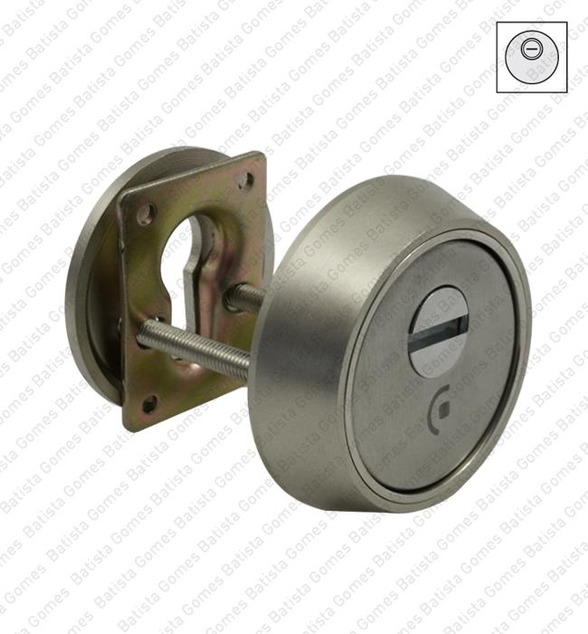 Batista Gomes - ES.763.0 - Escudo segurança integral para cilindro europeu - INOX / LATÃO