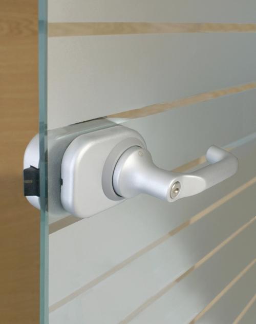 Batista Gomes - FECHADURAS HCS - Sistema Compacto de Fechadura e Puxador para porta de vidro